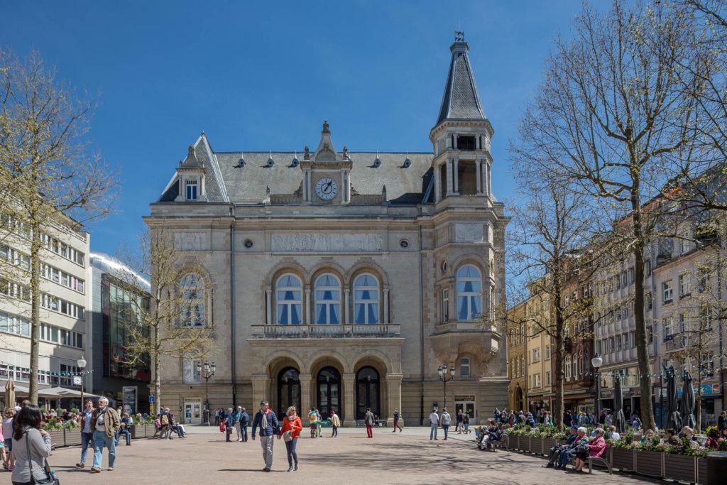 Verwaltungsgebäude auf dem Place d'Armes